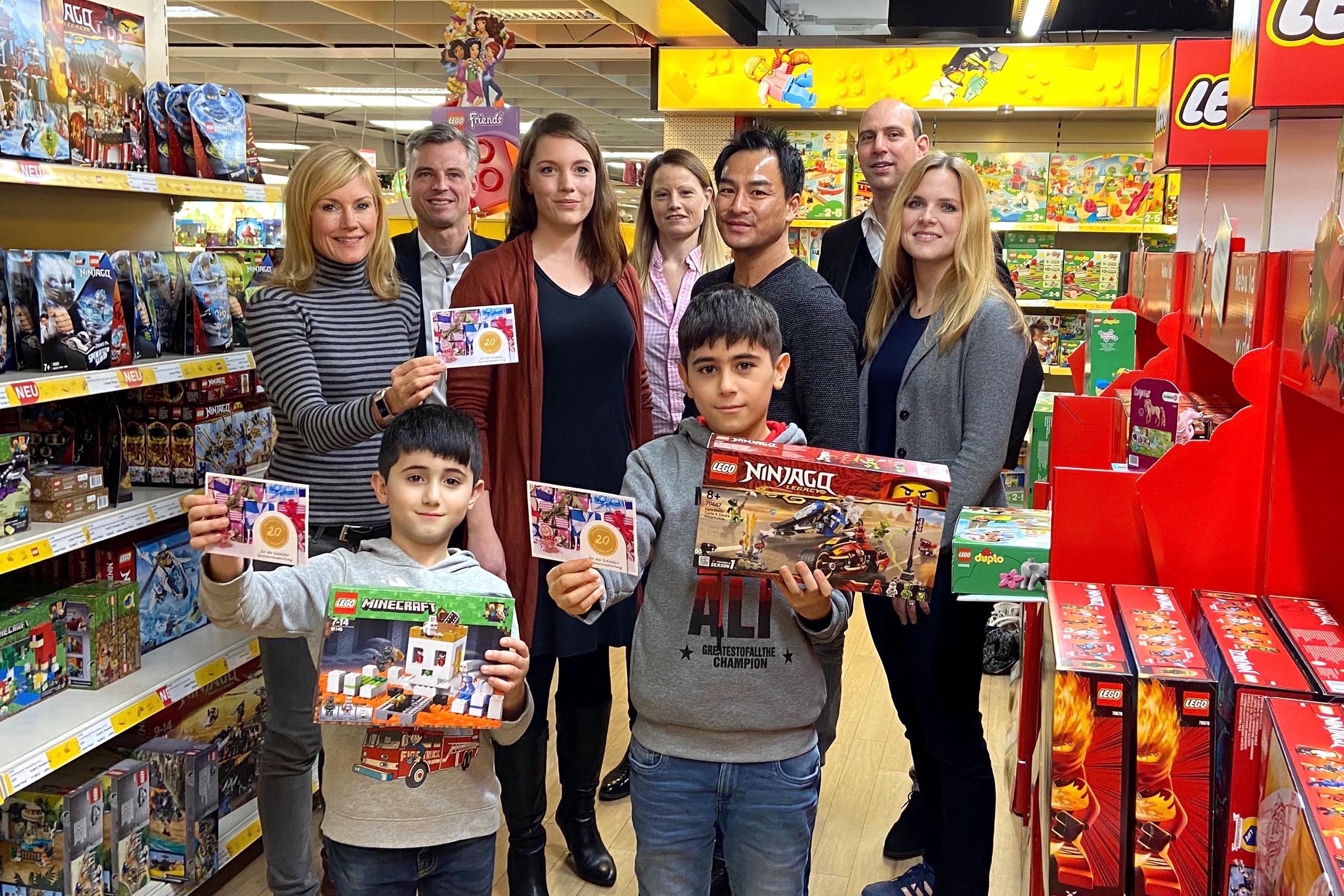 """Aktion """"Erfülle dir einen Weihnachtstraum"""" mit Geschenken im Wert von 5.000 Euro für bedürftige Kinder"""